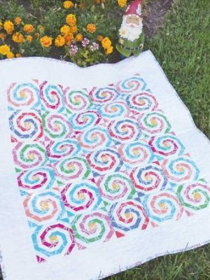Swirly Pearly Buttons pattern by Jean Ann Wright